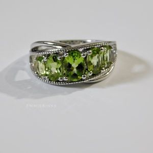 Peridot 925 Silver, 5 Stone Ladies' Ring